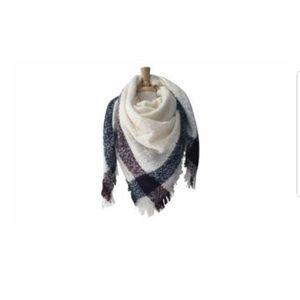 Azuri women's oversized blanket scarf